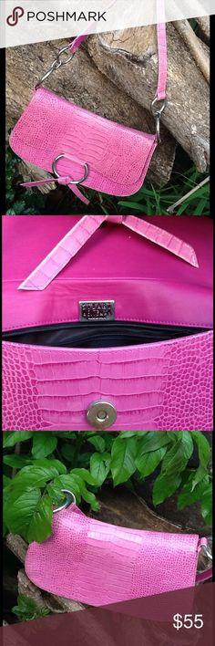 "Stuart Weitzman Embossed Snakeskin Handbag. This is a vintage Stuart Weitzman handbag. In excellent condition.  Front magnetic snap closure and 1 inside zipper compartment. Shoulder strap drop is 10"". Stuart Weitzman Bags"