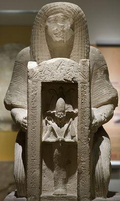 Tomb statue of Hormin director of the harem of Memphis (RMO Leiden, 19d Saqqara, 1275bc) | par koopmanrob