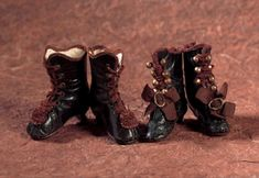 Lady Dolls of the 19th Century: 73 Two Pairs of Laced Boots for Poupees