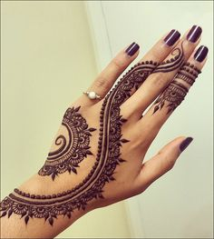 Khaleeji Mehndi Designs - Bold And Spiralling