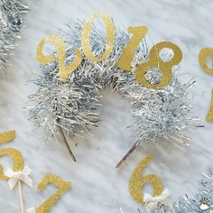 You and your friends will look festive, fashionable, and fun on New Year's Eve with these DIY headbands! Diy Headband, Headbands, Christmas Headpiece, New Years Eve Party, Holiday Crafts, Crafts For Kids, Xmas, Crafty, Make It Yourself