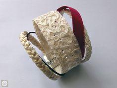 [KAUKAU] Blanc & Prune | Bracelet dentelle brodée cordonnet coton | tresse bourdon | tresse mèche | ruban satin / brin cuir | Largeur 40mm | Fermoir aimant.
