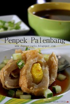 Indonesian Desserts, Indonesian Cuisine, Malay Food, Snack Recipes, Cooking Recipes, Traditional Cakes, Unique Recipes, Diy Food, Street Food