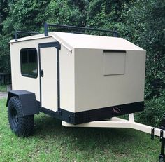 WEE ROLL – mini campers, small travel trailers, affordable campers, offroad tear… – Cars is Art Off Road Camper Trailer, Trailer Diy, Camper Trailers, Trailer Build, Truck Camper, Expedition Trailer, Overland Trailer, Teardrop Camper Plans, Teardrop Trailer