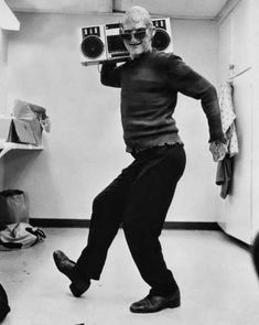 Robert Englund como Freddy Krueger en el set de Pesadilla en Elm Street 2.