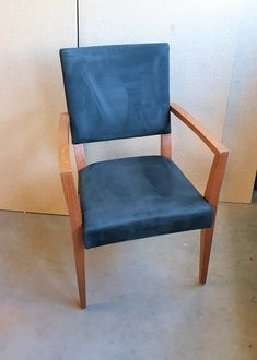 Kembo Fresco zorgstoel. BESCHIKBAAR. Life2 Circulair 071-5226060 Fresco, Accent Chairs, Dining Chairs, Furniture, Home Decor, Upholstered Chairs, Fresh, Decoration Home, Room Decor