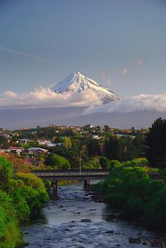 New Plymouth dominated by Mounts Egmont and Taranaki, North Island, New Zealand by Alex Cowley