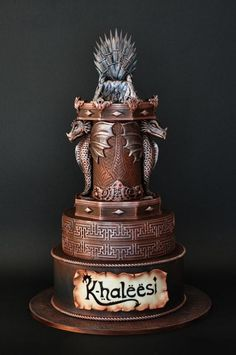 Game of Thrones is the hottest trend of The new season is spreading like wildfire and the fans couldn't be more excited. This season, we have gathered together various Game of thrones inspired Birthday and Wedding Cake ideas. Have…<br> Pretty Cakes, Cute Cakes, Beautiful Cakes, Amazing Cakes, Game Of Thrones Torte, Game Of Thrones Food, Game Of Thrones Birthday Cake, Game Of Thrones Decor, Crazy Cakes