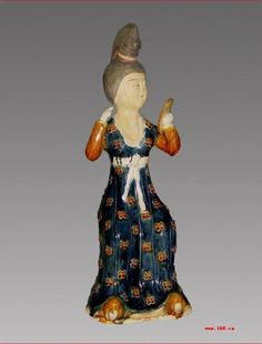 The ladies dress hooped head-dress tang dynasty of China Chinese lady statue of tang dynasty                            The world famous ancient Chinese  tang 3 kinds of color ceramic art