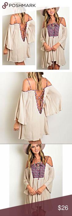 Open back peasant dress📫unable to ship until 8/14 3/4 flutter sleeve print front detail open back peasant dress. Boutique Dresses