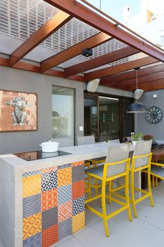 Terrazas de estilo por mandril arquitetura e interiores Outdoor Kitchen Design, Patio Design, Outdoor Kitchens, Outdoor Cooking, Outdoor Spaces, Outdoor Living, Outdoor Decor, Outdoor Patios, Outdoor Sheds