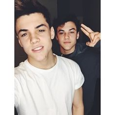 The Dolan twins are gorgeous I can't