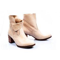 Dámske kožené topánky krémovej farby - fashionday.eu Wedges, Booty, Ankle, Shoes, Fashion, Moda, Swag, Zapatos, Wall Plug