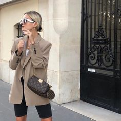 Fashion Mumblr, Fashion Outfits, Fashion Styles, Fashion Ideas, Short Cycliste, Chic Outfits, Summer Outfits, Louis Bag, Classy Outfit