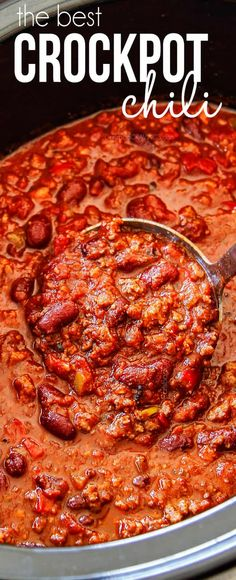 This is the BEST Crockpot Chili recipe and has won several awards to prove it! Everyone always begs me for the recipe! It is easy, makes fantastic leftovers and freezer friendly - perfect for make ahead meals or large crowds. This is the BEST Crockpot Crock Pot Chili, Slow Cooker Chili, Slow Cooker Recipes, Cooking Recipes, Chili Chili, Homemade Chili Crockpot, Easy Stovetop Chili Recipe, Chili Mac, Spicy Chili