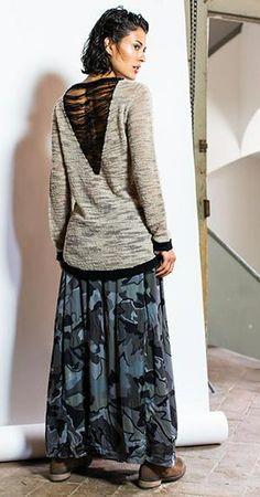 http://www.fashionstory.pl/pl/p/Sweter-Rinascimento/91