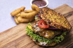 Elsker du burgere, men vil have flere grøntsager end brød? Så er opskriften til dig lige her!