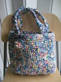 awesome rag crochet bag, rag rug style  Might be a good way to use up some old fabric