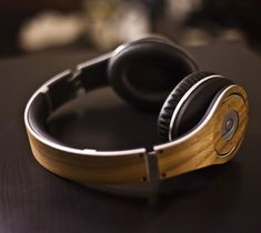 Like an Eames Lounge chair for your head; the doctor wishes he was as classy as this #Lazerwood mod for the ever popular #Beats by Dre Studio #headphones. - http://thegadgetflow.com/portfolio/lazerwood-for-beats-studio-35/