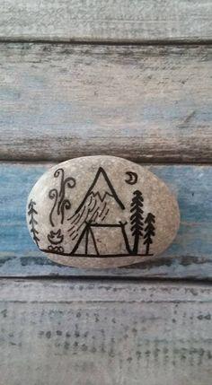 Pebble Painting, Stone Painting, Painted Stones, Fish Tattoos, Random, Rocks, Blue Prints, Painted Rocks, Casual