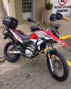 Foto do @xrehrc_ #xre300oficial #xre300 #honda #bicuda #bomdia Honda 300, Go Car, Nasa, Motorcycles, Bike, Vehicles, Instagram, Fire Crackers, Sportbikes