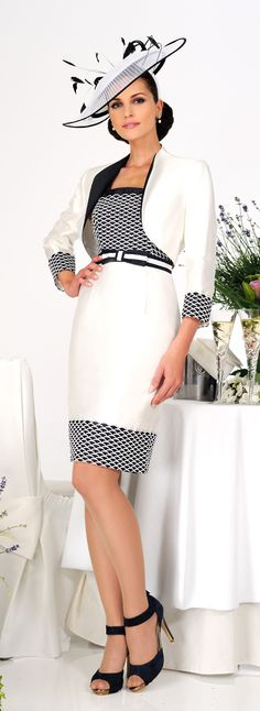 Very chic daywear design from Dress Code by Veromia. Dress And Heels, Dress Me Up, Beautiful Dresses, Nice Dresses, Groom Outfit, White Fashion, Ladies Day, Dress Codes, Suits For Women