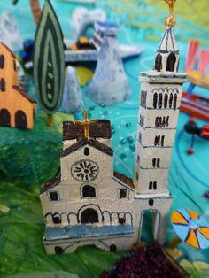 Trani (Puglia) Italy map detail by Sara Drake Italian Posters, Italy Map, Puglia Italy, Travel Posters, Vintage Ads, Drake, Mixed Media, Illustrated Maps, Bird
