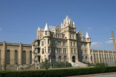 Tennessee State Prison in Nashville, TN by a t m o s, via Flickr