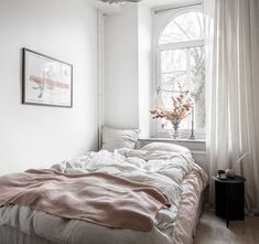 Fresh and warm tints combined I think the color palette of th. - Fresh and warm tints combined I think the color palette of this home, even thoug - Girl Bedroom Designs, Home Decor Quotes, Aesthetic Bedroom, Shabby Chic Bedrooms, Home Interior, Interior Livingroom, Interior Plants, Minimalist Bedroom, Home Decor Bedroom