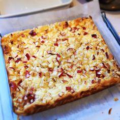 林檎のベイクドチーズケーキ  今日の夜会用です  #ベイクドチーズケーキ #夜会 #林檎のケーキ #りんご #今日のおやつ #おやつ #カフェ #手作りスイーツ