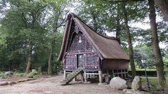 Rumah adat Batak ata Batakhaus terletak di Werpeloh, Jerman ini dibangun di sejak 1978 atas inisiatif pastor bernama Matthaus.