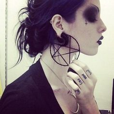 Occult. pentagram earring killstar…