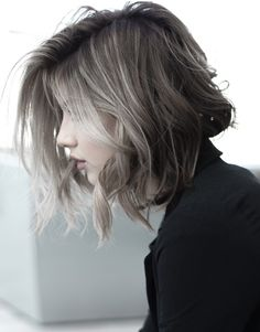 16 Of The Contemporary Shaggy Haircuts and Hairstyles for Girls You Absolutely Can't Miss Medium Hair Styles, Curly Hair Styles, Hair Junkie, Shaggy Haircuts, Long Hair With Bangs, Shiny Hair, Messy Hairstyles, Hair Type, Hair Cuts