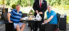 Hogarths has netted an impressive guest for its first special Wimbledon tea! Andy Murray savoured the delights of the tea which has been designed by our highly trained team of chefs to court customers during the Wimbledon fortnight.