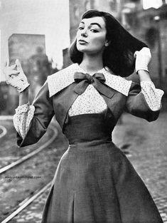 Moda Italiana Spring / Summer 1956  Ivy Nicholson wearing dress by Gattinoni