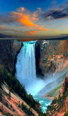 Yellowstone, Upper Falls. Hmmmmm what campground are going to stay at in the park? Can't wait :) @Jöelle Joyas Rogers