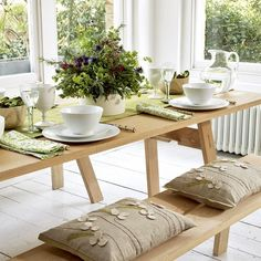Relaxed dining room