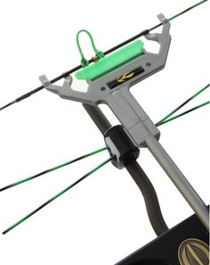 """28/"""" New Saunders Compound Bow Replacement String"""
