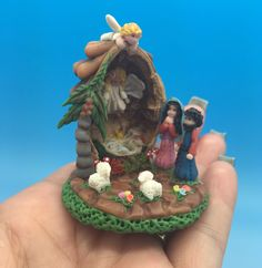 birth in a Nutshell, Nativity  . by Creandoparati on Etsy https://www.etsy.com/listing/118183472/birth-in-a-nutshell-nativity