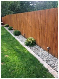 Simple Front Yard Landscaping Ideas on A Budget 2018 . Simple Front Yard Landscaping Ideas on A Budget 2018 Modern Front Yard, Small Front Yard Landscaping, Backyard Patio Designs, Backyard Fences, Fence Garden, Fenced In Backyard Ideas, Backyard Pools, Diy Fence, Backyard Ideas On A Budget