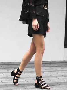 Gucci Belt / blogger street style fashion #fashion #lbd / www.fromluxewithlove.com / Pinterest: fromluxewithlove