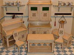 Antike * Jugendstil - Möbel * um 1910/20 altweiß/blau in Originalerhaltung. in Antiquitäten & Kunst, Antikspielzeug, Puppen & Zubehör | eBay