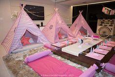 Sleepover tent setup