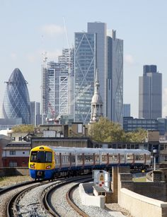 Passengers encouraged to know alternative routes into London this August England And Scotland, England Uk, London England, London Overground, London City, London Pubs, London Places, London Transport, Public Transport