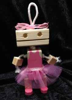 Robot de madera por KimKraftKorner en Etsy