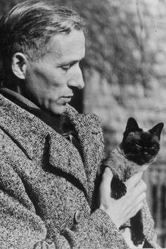 """REGBIT1: Escritor alemão Ernst Jünger  """"A mobilização total..."""