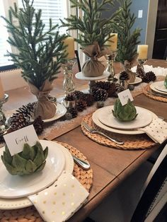 Christmas Tablescape Round-Up – House of Hargrove christmas tablescapes – Tablespaces Christmas Table Settings, Christmas Tablescapes, Christmas Mantels, Christmas Table Decorations, Holiday Tables, Christmas Home, Christmas Holidays, Christmas Getaways, Festa Party