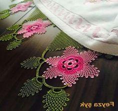 100 Tane Havlu Kenarı Modelleri 2017 - Neat Tutorial and Ideas Baby Knitting Patterns, Free Knitting, Knitting Socks, Crochet Patterns, Big Knit Blanket, Big Knits, Knit Pillow, Point Lace, Crochet Flowers
