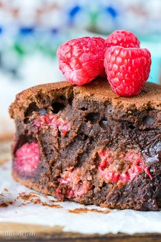 Learn how to make the best chocolate brownies recipe and your taste buds will shout thank you. You can make this chewy brownie recipe easy, in less than an hour Best Chocolate Brownie Recipe, Brownie Recipes, Chewy Brownies, Chocolate Brownies, Baking Recipes, Dessert Recipes, Raspberry Chocolate, Jamie Oliver, Tray Bakes