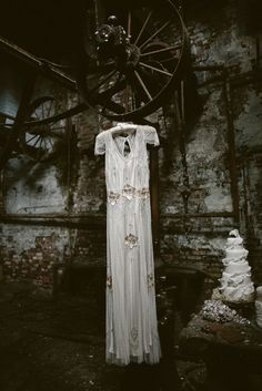 Absolute perfection - Jenny Packham in a mill :D